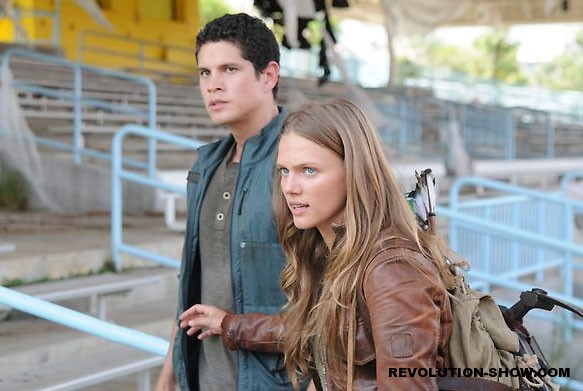 Revolution-1x04-The-Plague-Dogs-Set-2-006